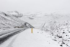 Free Snow Covered Mountain Road Royalty Free Stock Images - 94778149