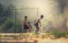 Free Boys Playing In Water Royalty Free Stock Photography - 94778217