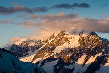 Free Glacier-flanked Mt Aoraki Royalty Free Stock Images - 9482429