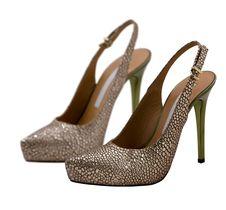 Free Womanish Shoes Stock Image - 9484441