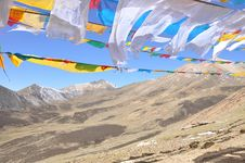 Free Prayer Flags And Mountains In Tibet Royalty Free Stock Photos - 9486568