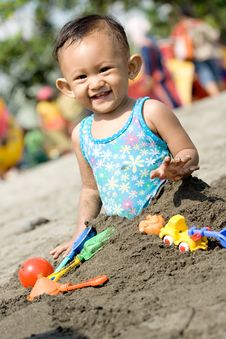 Baby Fun Play At The Beach Stock Photography