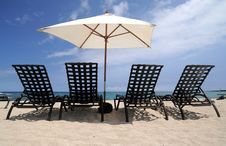Free Chairs On Beach Royalty Free Stock Images - 9493989