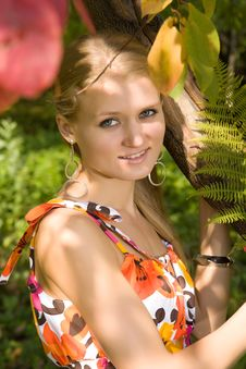 Free Attractive Caucasian Woman In Summer Park Royalty Free Stock Image - 9495176