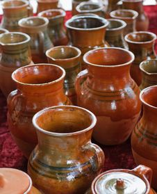 Free Ceramic Jugs Royalty Free Stock Photos - 9499818
