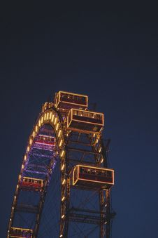 Free Ferris Wheel At Night Royalty Free Stock Photos - 94945798