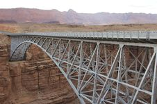 Free Steel Bridge Over Canyon Royalty Free Stock Photography - 94983647