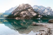 Free Alpine Lake With Boulder Royalty Free Stock Images - 94983739
