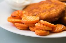 Free Carrots, Fried Meat Royalty Free Stock Photography - 952187