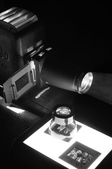 Free Old Projector & Slides In Mono Royalty Free Stock Images - 953239