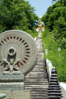Free Buddhist Temple On Hilltop Stock Photo - 954550