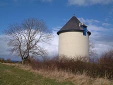 Free Old Water Tower Royalty Free Stock Image - 957666