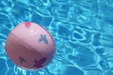 Ball In Pool Royalty Free Stock Photos