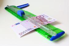Free 500 Euro Royalty Free Stock Photo - 9502395