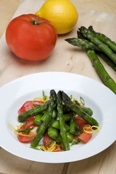 Free Plate Of Asparagus And Tomato Salad Stock Image - 9502491