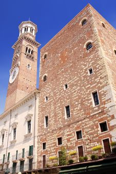 Free Tower Lamberti In City Verona, Italy Royalty Free Stock Images - 9504429