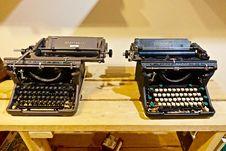 Free Vintage Typewriters Royalty Free Stock Images - 95031399