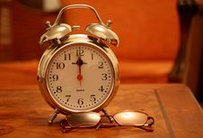 Free Classic Alarm Clock Stock Photo - 95031600