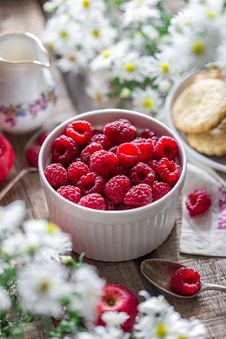Free Close-up Of Raspberries In Bowl On Table Stock Photography - 95031732