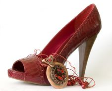 Free Red Shoe With High Heel And Necklace Royalty Free Stock Photo - 9510365