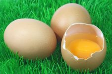 Free Decorative Brown Eggs Royalty Free Stock Photo - 9511385