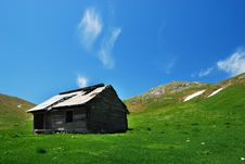 Free Old Bucegi Mountains Shelter Romania Royalty Free Stock Photo - 9515265