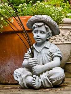 Free Statue Of Boy Fishing Royalty Free Stock Photography - 9515397