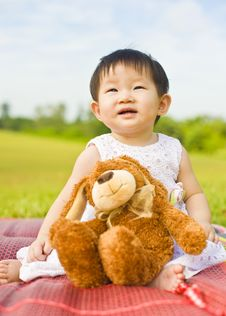 Free Portrait Of A Infant Girl Outdoor In The Park Royalty Free Stock Photography - 9519477