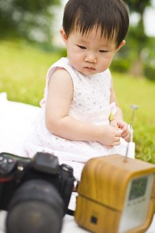 Free Portrait Of A Infant Girl Outdoor In The Park Royalty Free Stock Photos - 9519498
