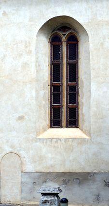 Free Gothic Window Royalty Free Stock Photo - 9519745