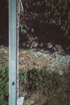 Free Bridge Across Canyon Stock Photography - 95165292