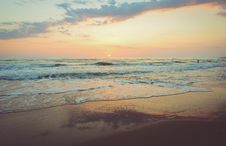 Free Photography Of Beach During Dusk Royalty Free Stock Photo - 95165965