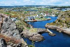 Free Town On Rocky Coastline Royalty Free Stock Photography - 9524277
