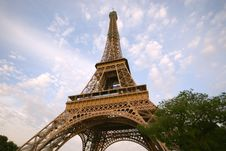 Free Eiffel Tower Against Blue Sky Stock Images - 9525134