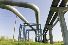 Free Industrial Pipelines Against Blue Sky. Royalty Free Stock Image - 9529906