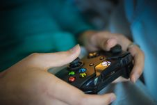 Free Hands Holding Video Game Controller Royalty Free Stock Photography - 95271547