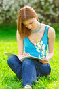 Free Pretty Student Studying Outdoors Royalty Free Stock Photography - 9536947