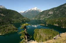 Free Diablo Lake And Davis Peak Stock Photos - 9535153