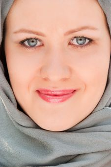 Free Happy Moslem Woman Close-up Portrait Royalty Free Stock Photos - 9535348