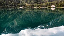 Free Mountain Reflection On Water Royalty Free Stock Photo - 95318025