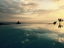 Free Litore Hotel Pool Reflection Stock Images - 95318044