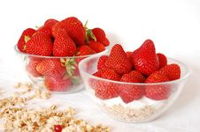 Free Strawberries And Muesli Royalty Free Stock Image - 9542926