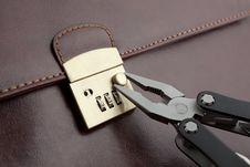 Free Breaking In Lock Of The Briefcase Royalty Free Stock Photography - 9543457