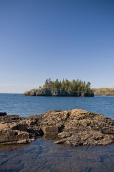 Free Island In Lake Superior Royalty Free Stock Image - 9544556