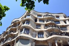 Free La Pedrera Royalty Free Stock Photo - 9546125