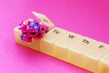 Free Pillbox And Flowers Royalty Free Stock Images - 9546279
