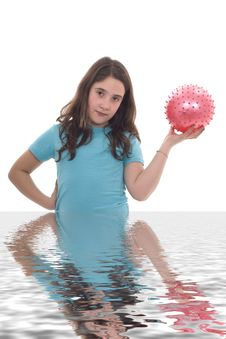 Free Girl With Pink Ball II Royalty Free Stock Photos - 9547178
