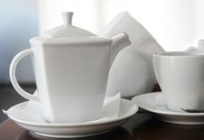 Free Cup And Teapot Royalty Free Stock Photography - 9549017