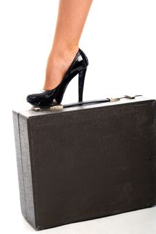 Free Graceful Female Leg On Attache Case Royalty Free Stock Images - 9549419
