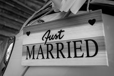 Free Just Married Sign On Car Royalty Free Stock Photo - 95409575